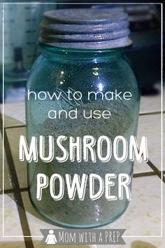 Love mushroom flavor but don't like the texture? Want to find a way to add more umami without adding meat? Try making your own mushroom powder! Homemade Spices, Homemade Seasonings, Homemade Pasta, Spice Blends, Spice Mixes, Food Storage, Fruits Déshydratés, Plat Vegan, Dehydrated Food
