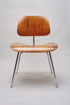 Eames dcm Chair, mid century modern Herman Miller.Restored by gungorkaya on Etsy https://www.etsy.com/listing/220815656/eames-dcm-chair-mid-century-modern