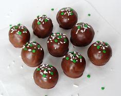 No Bake Baileys Irish Cream Cookie Balls –