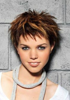 Cheveux pour jeune femme châtains méchés