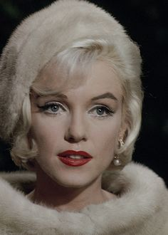 📍 Marilyn monroe ( born Norma Jeane Mortenson on Jun 1926 L A California ) this scene is from her unfinished film Something's got to give in 1962 ( Hollywood Glamour, Old Hollywood, Hollywood Actresses, Fotos Marilyn Monroe, Marilyn Monroe Makeup, Divas, Foto Portrait, Lauren Bacall, Rita Hayworth