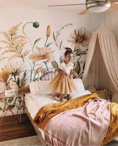 Kids Bedroom Wallpaper, Floral Bedroom, Dusty Pink Bedroom, Boho Living Room, Little Girl Rooms, Nursery Room, Girl Nursery, My New Room, Luxury Bedrooms