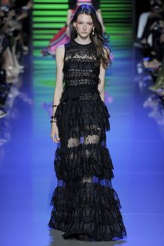 Elie Saab Spring 2016 Ready-to-Wear Fashion Show - Allyson Chalmers