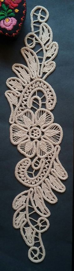 Point Lace Romanian Style Crochet Doily Tan Floral by ValeriasShop pattern Crochet Cord, Crochet Motifs, Freeform Crochet, Irish Crochet, Crochet Doilies, Crochet Flowers, Crochet Lace, Lace Patterns, Crochet Patterns