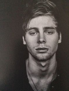 Luke Hemmings is as dreamy as they come... <3 That hair, facial structure, eyes, and his smile kills me. :)