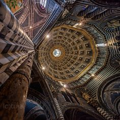 One of the many treasures of Siena architecture is the famous Duomo of Siena. Stunning view of the cathedral.