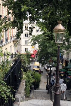 Picture - Staircase in Montmartre. | PlanetWare