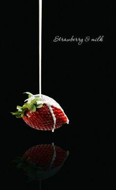 Strawberry & milk Photo: Olga Tkachenko