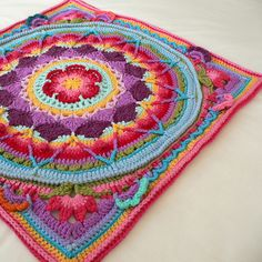 "This is a photo tutorial for ""squaring up"" Sophie's Mandala (FREE PATTERN)"