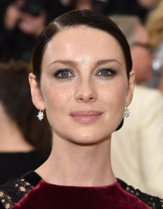 http://outlander-online.com/2016/05/03/new-hq-pics-of-caitriona-balfe-at-the-met-gala/