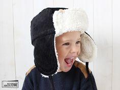 Kultige Cord-Fliegermütze in Schwarz / super cute hat for children, made of cord by von Dschennie via DaWanda.com