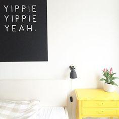 Wie passend an einem Freitag ️ @artboxone  #art #artboxone #bedroom #decoration #friday #germaninteriorbloggers #Hamburg #hh #home #homedecor #homeinspo #inspohome #instahome #interieur #interior #interiorblogger #interiordesign #interiorforinspo #kunst #poster #tulips #walldecor #yeah #yippieyippieyeah