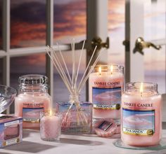 Summer's Scent<3 My favoriteee for deep summer by Yankee Candle!