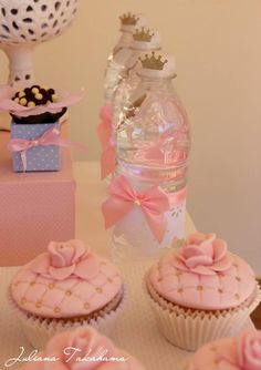 With glass slippers on top Disney Princess Birthday Planning Ideas Supplies Idea Cake Cupcakes Disney Princess Birthday, Princess Theme, Baby Shower Princess, Princess Aurora, Girl Birthday, Birthday Parties, Princess Tutu, Cake Birthday, Cinderella Party