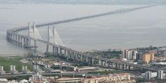 Ponte Vasco da Gama, Lisboa. 17 kms, a maior da europa.