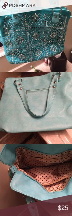 Purse Gorgeous like new purse has attachable longer strap also Bags Shoulder Bags