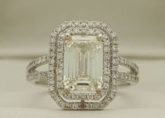 Emerald cut diamond ring! Yes please! Let Dutch Diamonds help you find the perfect diamond.