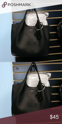 Purse Guess purse new have a extra piece in side Guess Bags Shoulder Bags   pursesguess 7a5a0f2ad1806