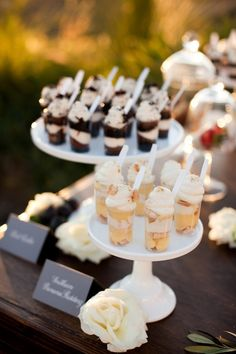 Mini deserts Wedding Reception Food, Vintage Dresses, Place Cards, Finger, Trendy Wedding, Place Card Holders, Ideas, Vintage Looking Dresses, Vintage Dress