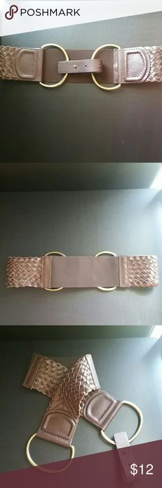TARGET BRAND Genuine Leather & Elastic Belt Perfect for pairing with dress or longer top. Geniune woven leather sides with elastic across the back. From one end to the other measures 26 inches unstretched. Size says Sam/Medium. Brass buckle that can not be swapped out. Please feel free to ask any questions prior to purchasing. Target  Accessories Belts