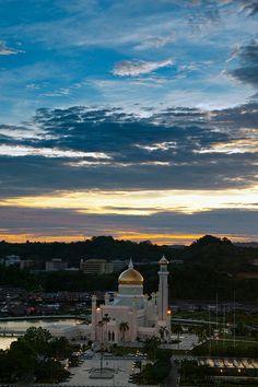 Sultan Omar Ali Saifuddin Mosque, Bandar Seri Begawan, Brunei Darussalam