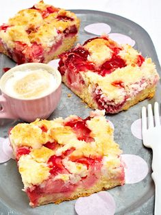 Erdbeer-Makronen-Kuchen vom Blech