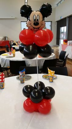 70 ideas birthday table decorations for adults children Mickey Mouse Clubhouse Birthday Party, Mickey Party, Mickey Mouse Birthday, Balloon Table Centerpieces, Birthday Balloon Decorations, 1st Birthday Balloons, Birthday Nails, Mickey Mouse Balloons, Mickey Mouse Centerpiece