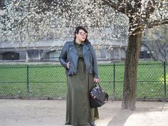 beautiful gal & blog. shirt dress maxi with leather jacket and big gal. gorgeous.