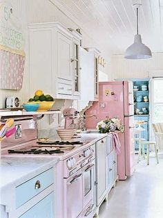 Dreamcicle retro kitchen - So fun