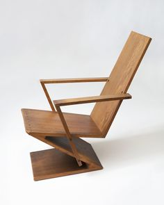 Furniture ideas, you have to attempt this truly smart furniture trick, design ref 4239796850 Vintage Furniture Design, Geometric Furniture, Funky Furniture, Contemporary Furniture, Furniture Decor, Smart Furniture, Rietveld Chair, Architecture Design, Minimalist Furniture