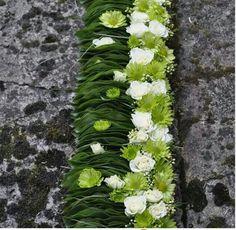 Artist Des Fleurs a Fleurs Centerpiece Decorations, Floral Centerpieces, Flower Decorations, Deco Floral, Arte Floral, Modern Floral Arrangements, Flower Arrangements, Ikebana, Fresh Flowers