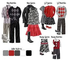What to wear - Fall family photos Family Portrait Outfits, Family Picture Outfits, Family Portraits, Christmas Portraits, Family Posing, Family Photos What To Wear, Winter Family Photos, Family Pictures, Holiday Photos