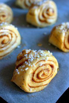 Korvapuustit ja vaniljaboston - Finnish cinnamon buns