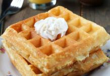 Gateaux minceur WW light and crispy waffles, a recipe for tasty Mardi-gras waffles to be served hot, Vegan Thermomix, Thermomix Desserts, Ww Desserts, Ww Recipes, Low Carb Recipes, Snack Recipes, Snacks, Dessert Recipes, Superfood