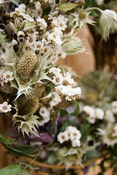 A dried flower lease •