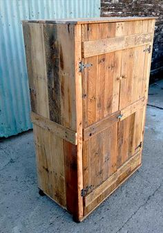 Pallet Wardrobe - Closet made from Pallets   99 Pallets