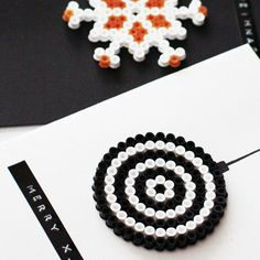 Grußkarten aus Hama-Perlen - amicella