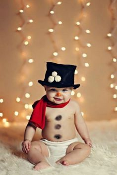 Who Totally Nailed Their First Christmas Photo Shoot Cute baby's first Christmas photo ideas. So adorable!Cute baby's first Christmas photo ideas. So adorable! First Christmas Photos, Babies First Christmas, Holiday Photos, Christmas Time, Christmas Cards, Merry Christmas, Christmas Ideas, Christmas Snowman, Baby Christmas Pictures