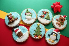 Bas relief decorated Christmas cookies by Dulces Artes