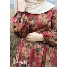 Ahh dears why 'Black friday'! Why black friday. Pakistani Fashion Party Wear, Pakistani Dresses Casual, Pakistani Dress Design, Modest Fashion Hijab, Modesty Fashion, Fashion Outfits, 80s Fashion, Fashion Clothes, Stylish Dresses For Girls