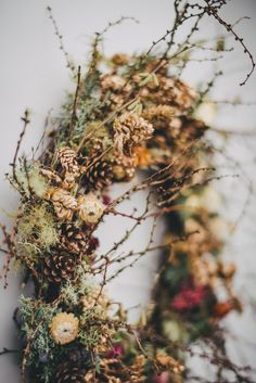 Dried Flower Wreaths, Dried Flowers, Floral Wreaths, Christmas Holidays, Christmas Wreaths, Flower Factory, Growing Flowers, Fall Flowers, How To Make Wreaths