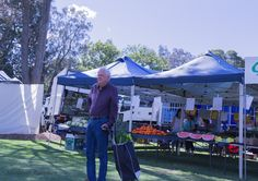 L3M1AS1 Part C The Farmer's Market - extended this week into the Living Smart Festival Speers Point NSW Taken from waist height