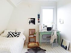 """dormdesign: """" another cute apartment set-up """" Home Bedroom, Bedroom Decor, Bedrooms, Bedroom Mint, Bedroom Nook, Bedroom Small, Bedroom Office, Dream Bedroom, Cosy Living"""