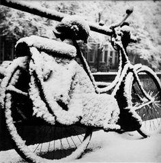 Paul Huf, Amsterdam, winter 1955. Paul Eduard Bram Huf (Amsterdam, 14 maart 1924…