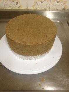 """Para quem gosta de bolo: Passo a passo: preparando o bolo para a pasta americana com a técnica do """"barreado"""""""