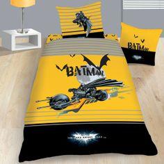 Housse de Couette et une Taie d'Oreiller BATMAN BATMOBILE Disponible sur le site www.textile-de-maison.net