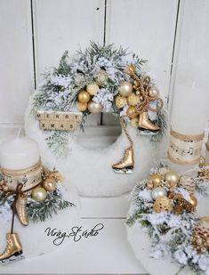 Christmas Advent Wreath, Christmas Wreaths To Make, Christmas Swags, Woodland Christmas, Handmade Christmas Decorations, Diy Christmas Cards, Christmas Centerpieces, Winter Christmas, Christmas Time