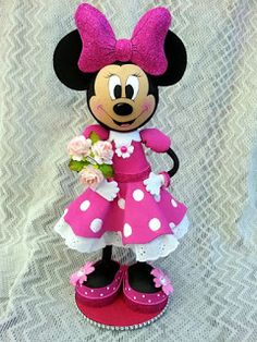 TWAG (scrapwluv) Handmade by Rosa. Minie Mouse Party, Mickey Minnie Mouse, Handmade Crafts, Diy And Crafts, Mickey Birthday, Clothespin Dolls, Sewing Dolls, Mickey And Friends, Foam Crafts