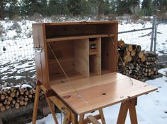 Chuck box for camping http://dirtfloorstudio.files.wordpress.com/2010/12/cedarboxopen1.jpg?w=419=314
