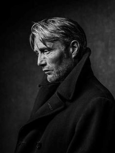 old man portrait photography Mads Mikkelsen lhtel Marriot Cannes, le 11 mai Portrait Photography Men, Photo Portrait, Fashion Photography Poses, Fashion Photography Inspiration, Street Photography, Men Portrait, Beauty Photography, Photography Gear, Digital Photography